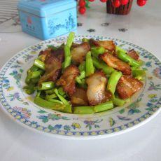 菜梗炒腊肉