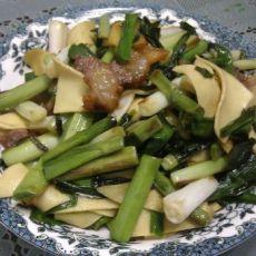 腊肉百叶炒大蒜的做法