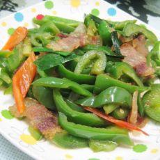 腊肉炒柿子椒的做法