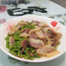 自制腊肉炒蒜苔