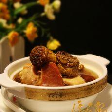 姬松茸火腿炖鸡汤