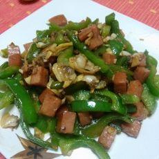 青椒火腿粒炒蛤蜊肉
