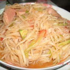 火腿肠炒土豆丝