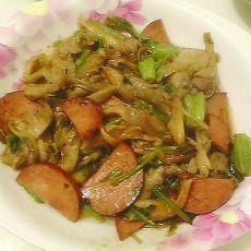 蘑菇菠菜粉条炒火腿的做法