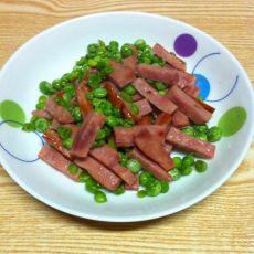 豌豆炒火腿的做法