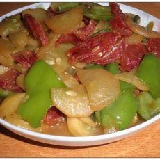 青椒瓜片炒香肠