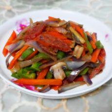 蘑菇洋葱炒香肠