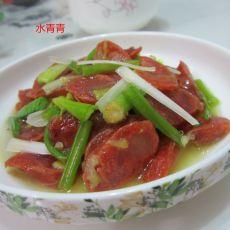大蒜芹菜炒香肠的做法