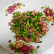 香肠炒韭菜花的做法