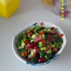 黄瓜青椒炒香肠
