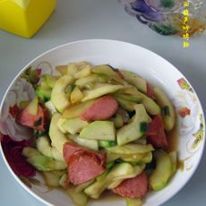 西葫芦炒烤肠