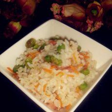 香肠胡萝卜炒饭