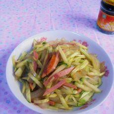 香肠大皮拌黄瓜的做法