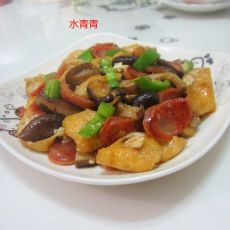 青椒香肠油豆腐