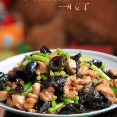 鸡胸脯炒蒜苔