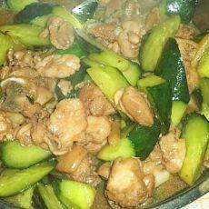 青瓜炒鸡肉
