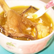 茶树菇鸡汤