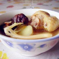 黄花菜香菇煲鸡汤