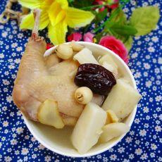 莲子百合煲淮山鸡汤的做法