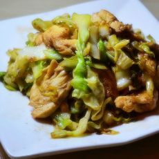 鸡肉炒包心菜的做法