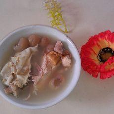 鸡肉瘦肉桂圆肉煲花胶的做法
