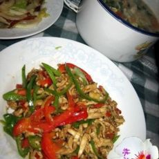 双椒炒鸡丝的做法