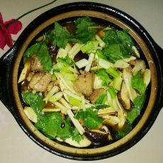 香菇竹笋鸡翅煲的做法