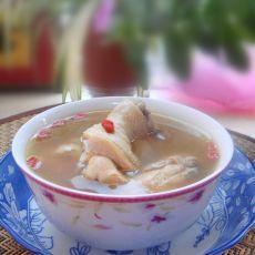 黄芪枸杞煲鸡汤的做法