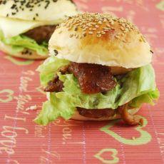 芝士烤肉排堡and黑椒鸡腿堡