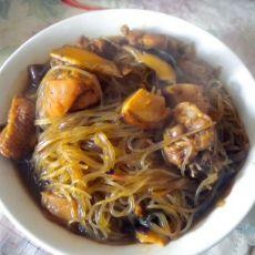 香菇粉条炖鸡块的做法