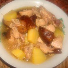香菇土豆炖鸡腿肉