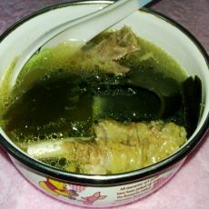 海带鸭肉汤