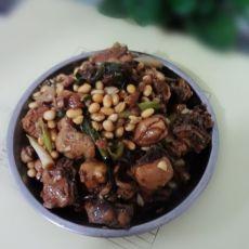 黄豆鸭肉煲的做法