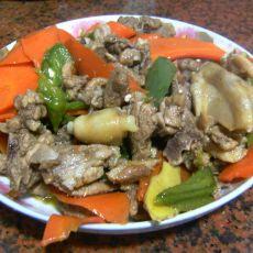 红萝卜青椒焖鸭肉