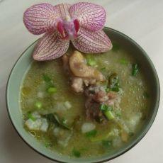 鲜美的老鸭汤