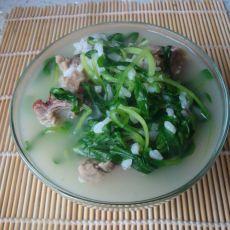 鸭肉鸡毛菜咸泡饭