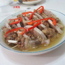 芋头扣鸭肉--除夕菜肴的做法