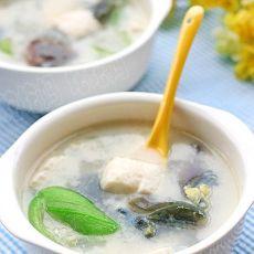 丝瓜皮蛋豆腐汤