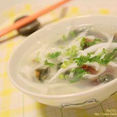 巧手快餐菜---【银鱼皮蛋汤】