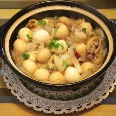 砂锅墨鱼鹌鹑蛋
