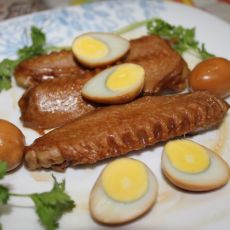 卤鸭翼鹌鹑蛋