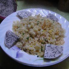 虾末肉松蛋炒饭