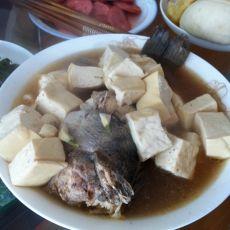 鲈鱼炖豆腐的做法
