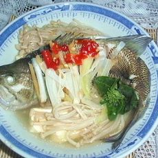 蒸三宝--鲈鱼、金针菇、豆腐
