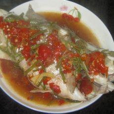 水芹剁椒鲈鱼