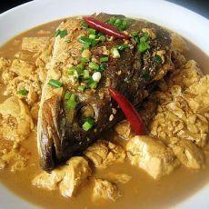 咸海鲈鱼头烧豆腐