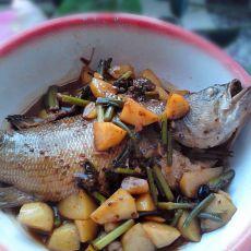 鲈鱼烧土豆