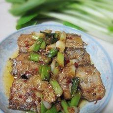 蒜香煎带鱼