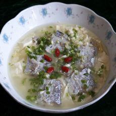 带鱼炖豆腐的做法