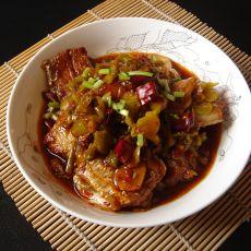 酸菜烧带鱼的做法